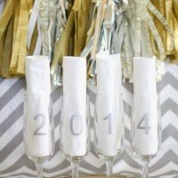{DIY} New Year's Toasting Glasses