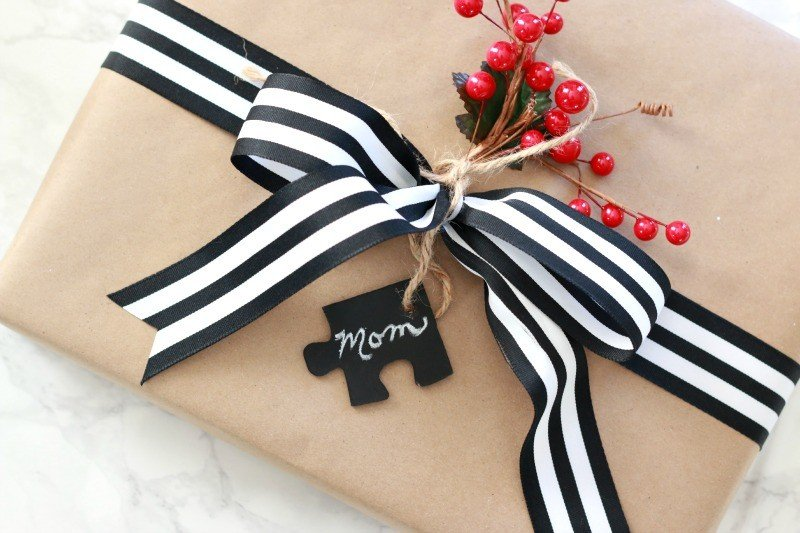 puzzle piece gift tag