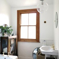 Friday Eye Candy | Small Bathrooms