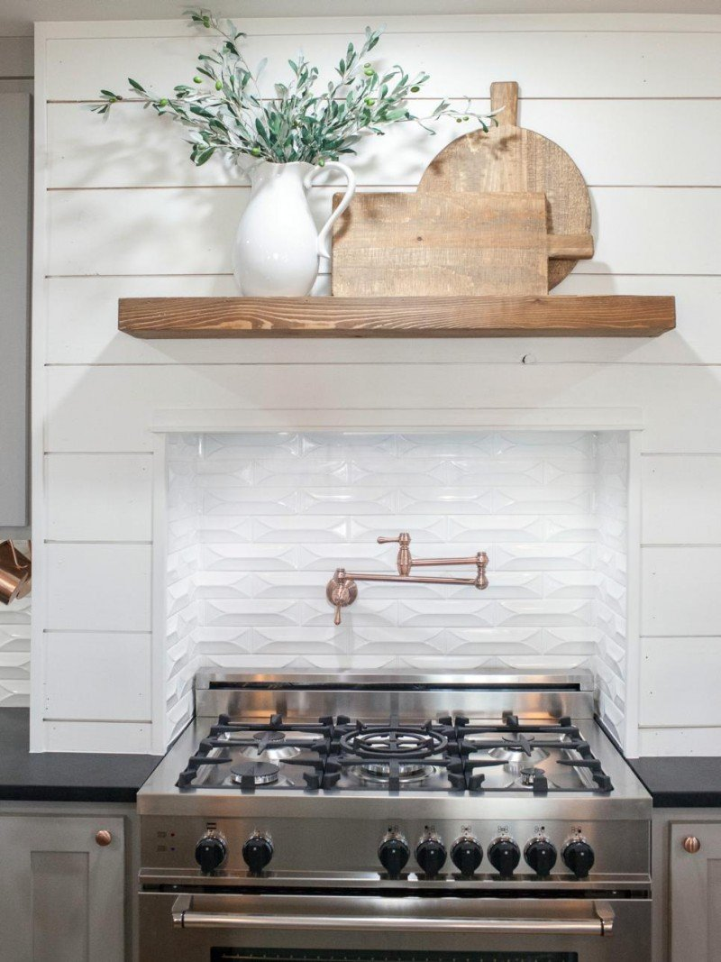 Fixer upper shiplap kitchen - Carriage House5