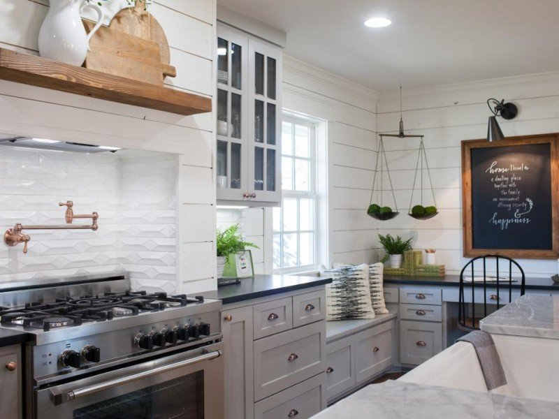 farmhouse cabinets chip and joanna gaines joanna gaines home design beautiful chip and - Joanna Gaines Home Design