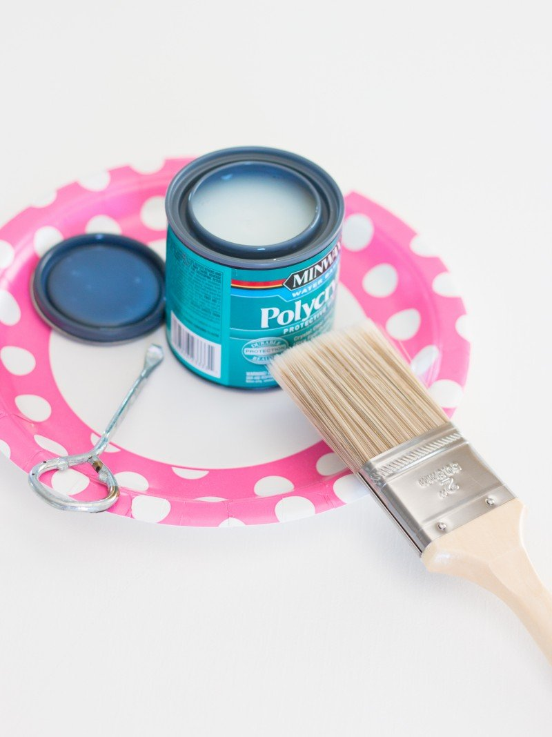 painting a table-3