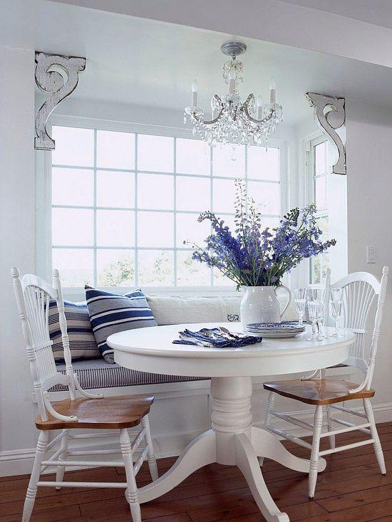 whtie table