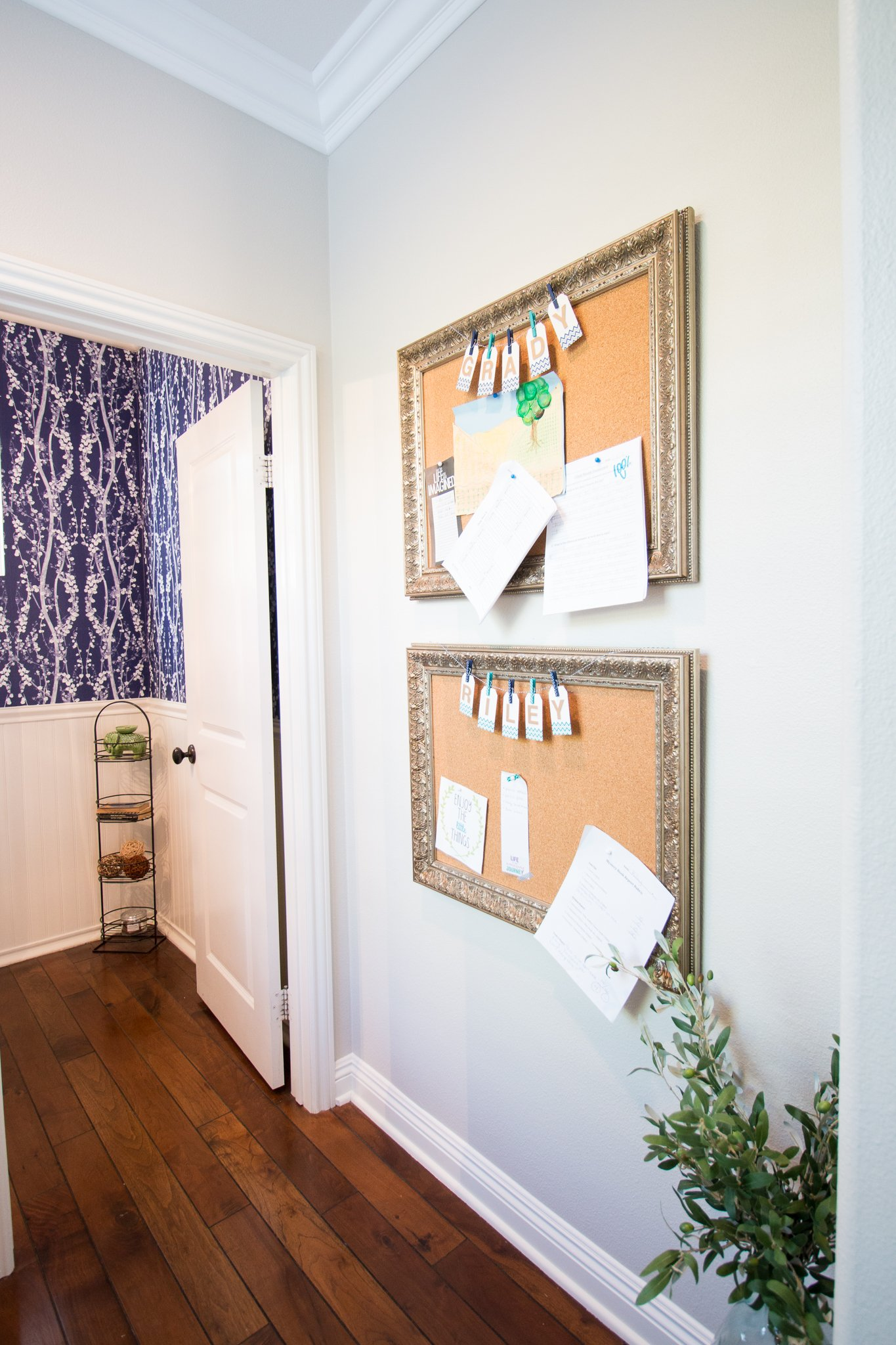 Diy bulletin boards for kids a thoughtful place for Diy bulletin board for bedroom