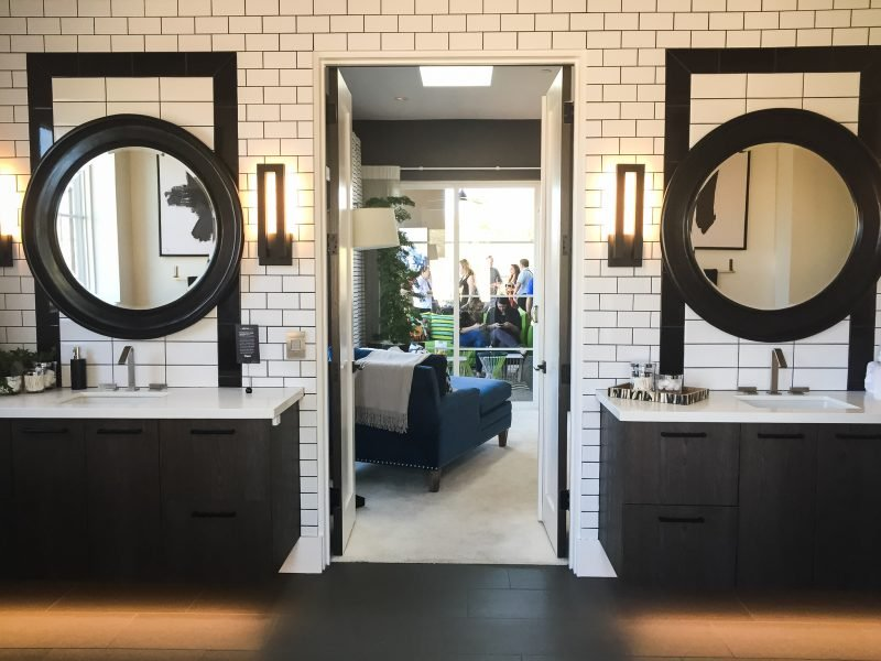 Hgtv Bathrooms Makeovers 40 Gallery For Website Without Question