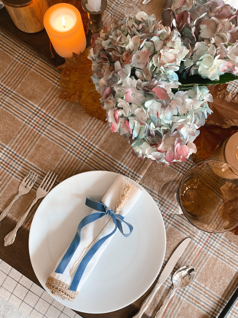 thanksgiving table brown and blue