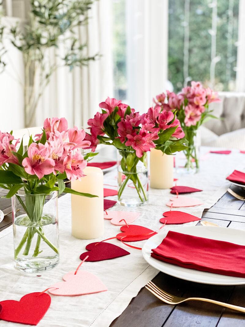 heart garland table