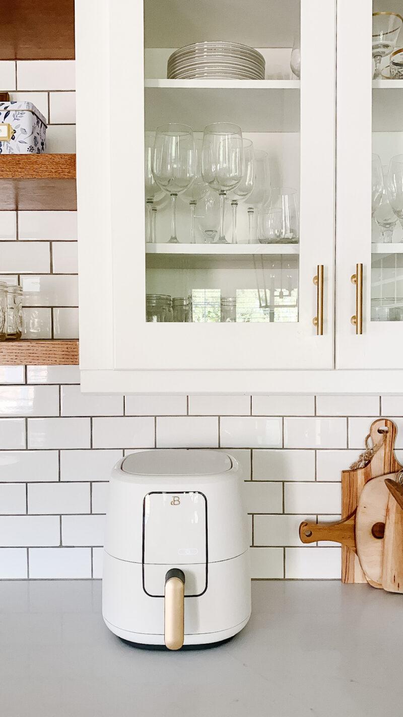 white kitchen air fryer